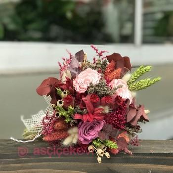 Gelin Çiçeği Canlı Mı Olmalı?