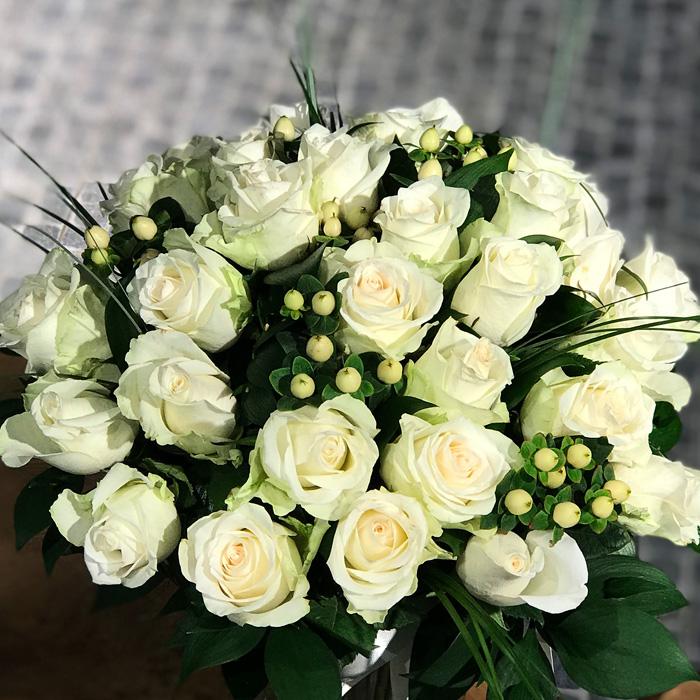 Beyaz Güller alt