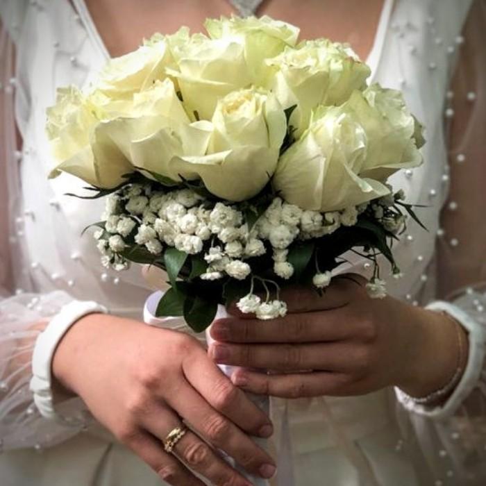 Beyaz Gül Gelin Çiçeği alt