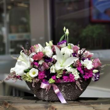 Lilyum ve Mevsim Çiçekleri