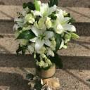 Beyaz Lilyum ve Güller