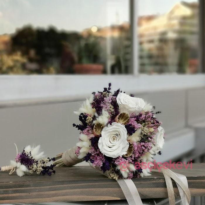 Lavanta Ve Gül Kuru Gelin Çiçeği
